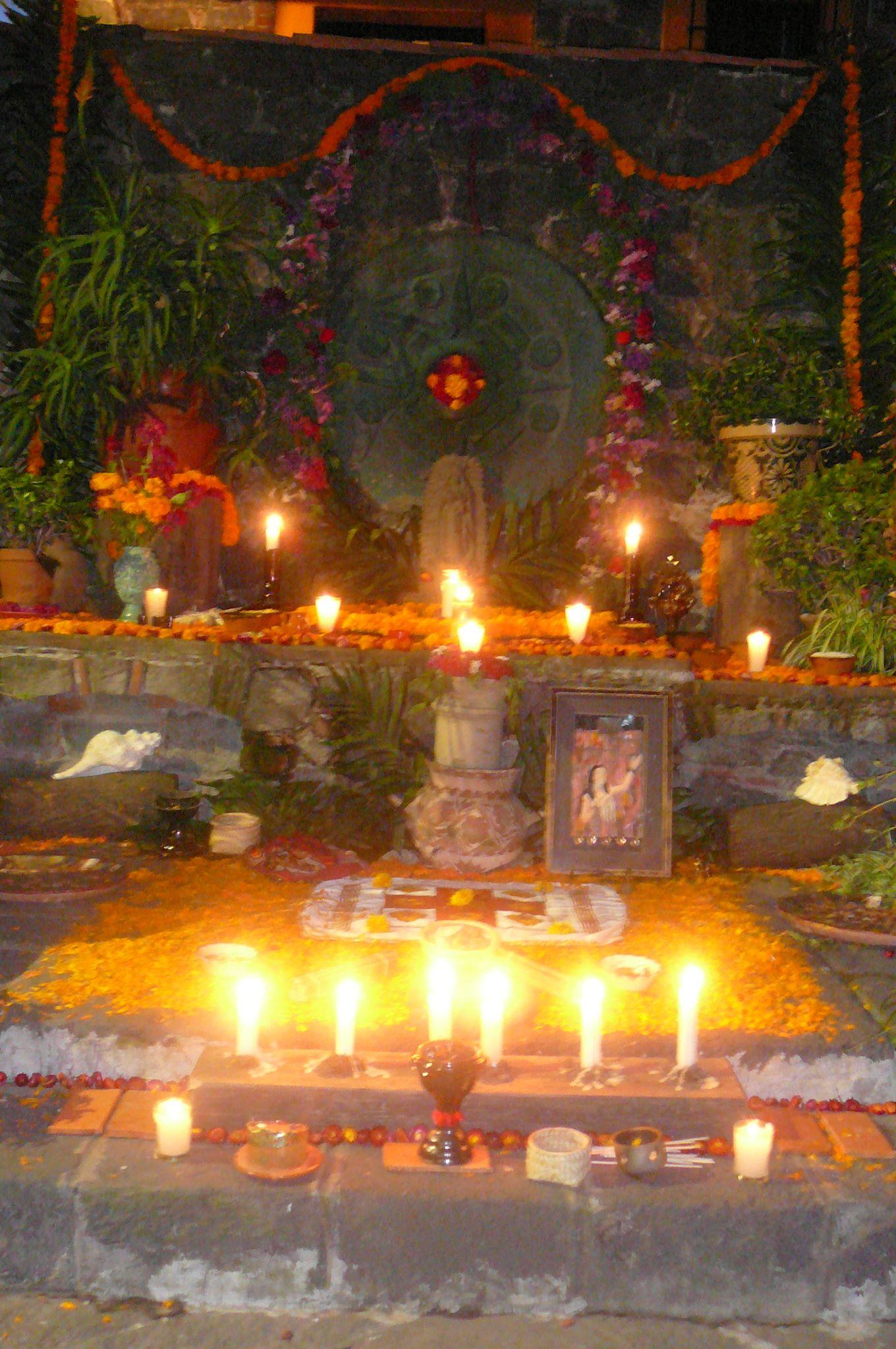 Invitan a la Inauguración de la Tradicional Ofrenda de Muertos, Casa Emilio El Indio Fernández.