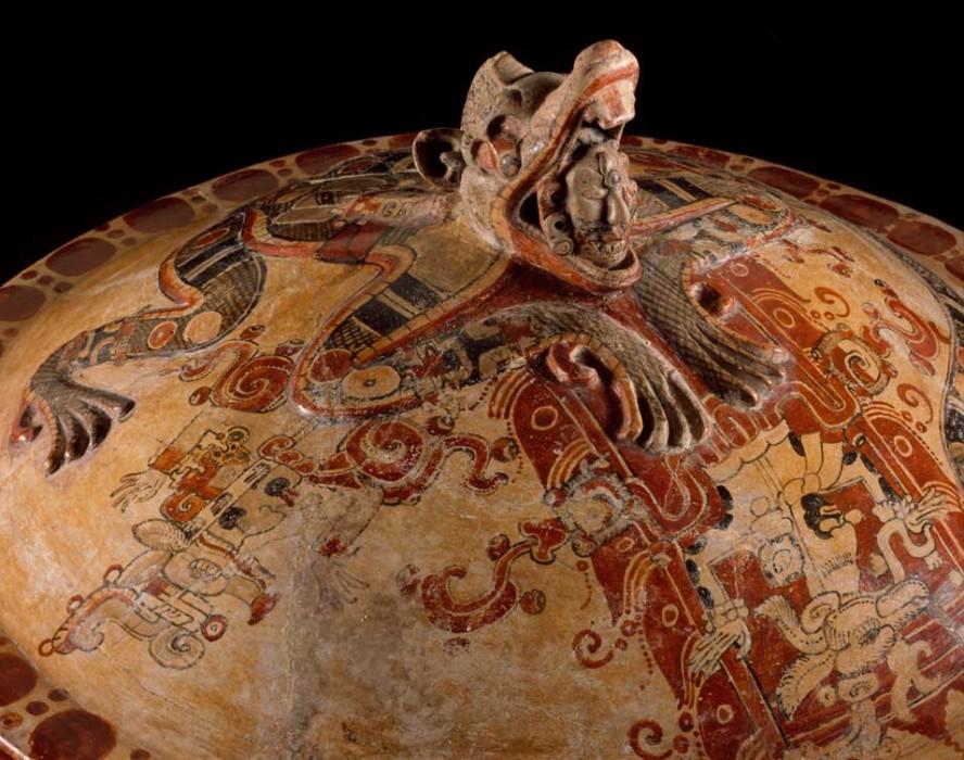 ITZAM fué un dios maya, «caldo de iguana»