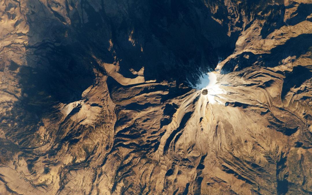 Así se ve el volcán más alto de México desde el espacio.