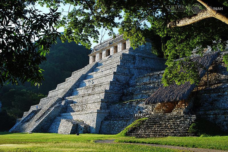 VIII Mesa Redonda de Palenque «Nuevos descubrimientos en la arqueología maya»