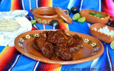 Birria de Chivo estilo Jalisco. / deliciasprehispanicas y La cocina Mexicana de Pily