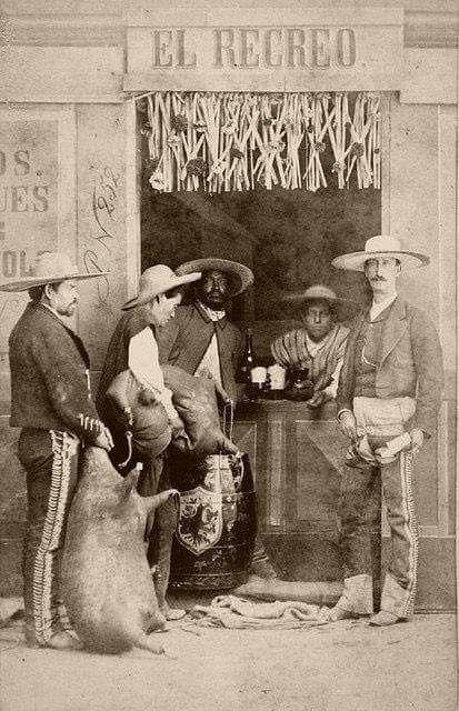 Estar «hasta las manitas» una expresión arraigada en las costumbres del mexicano.