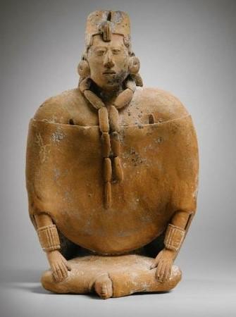 México lucha contra subasta de piezas prehispánicas en Paris.