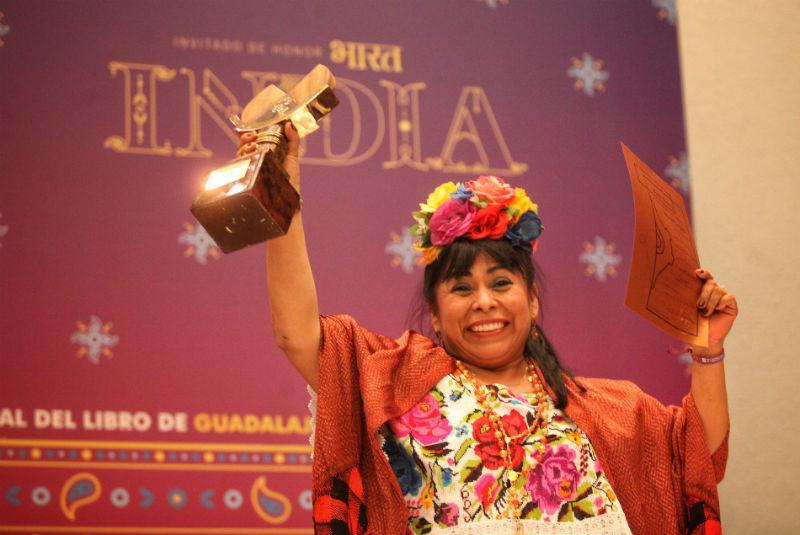 Escritora maya recibe Premio de Literaturas Indígenas de América 2019