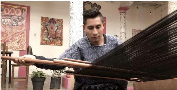 Alberto, indígena tzotzil que llevará sus Huipiles al Fashion Week de Nueva York