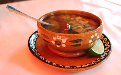 CALDOS con quelites, flores y hongos; 3 recetas tradicionales Matlatzincas del Estado de México