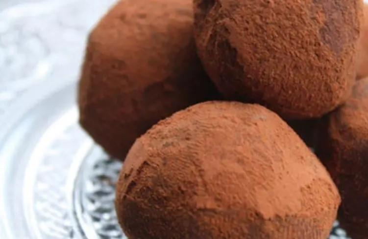 ¿Quién inventó las TRUFAS de Chocolate? Breve historia de esta delicia: